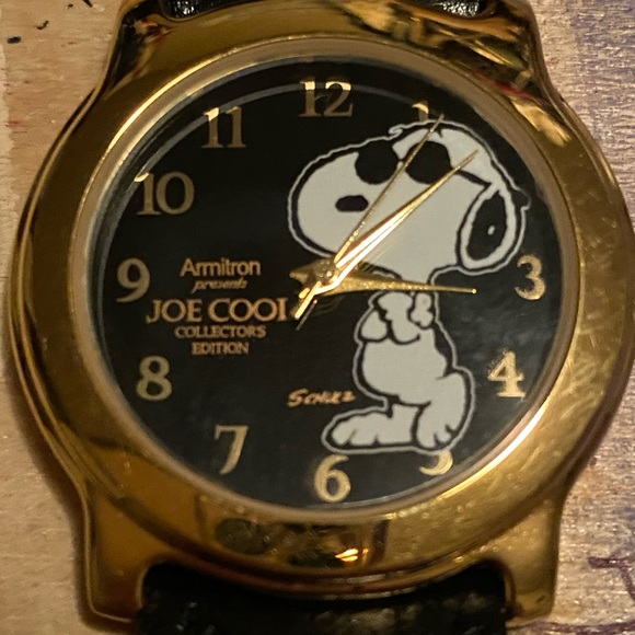 ⏰SALE⏰ Joe Cool Snoopy Collector's Edition Watch